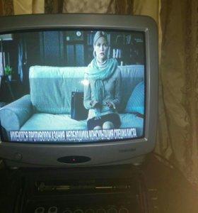 Продам маленький телевизор Toshiba