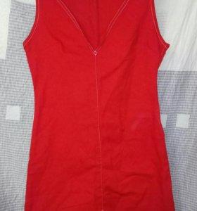 Платье джинсовое необычное красное новое