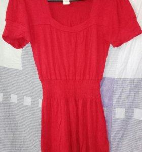 Платье красное фирменное как новое