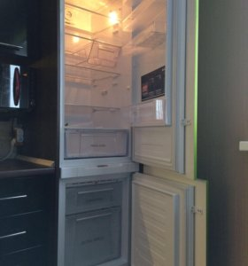Встраиваемый холодильник Hotpoint ARISTON BCB 33AF