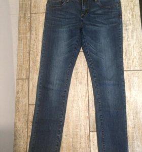 Новые джинсы Levi's р.42