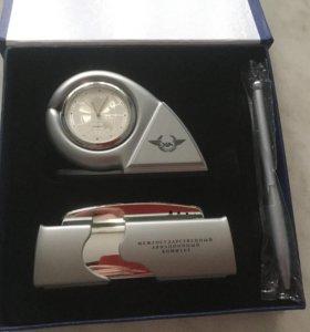 Подарочный набор , Часы , визитница, авторучка