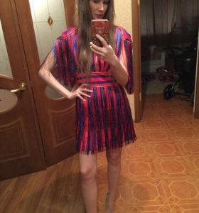 Платье с бахромой