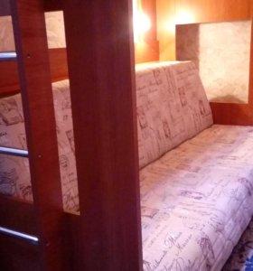 Двухъярусная кровать с диван-кроватью б/у