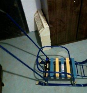 Продам санки на колесиках