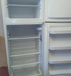 Холодильник Индезит!