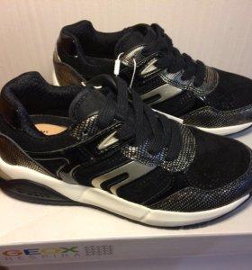 Новые кроссовки Geox 30 , 32 размера