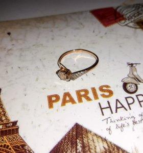 Золотое кольцо с феонитом