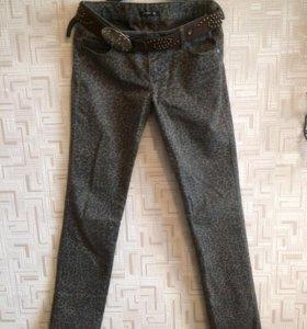 Брюки женские ( джинсы )