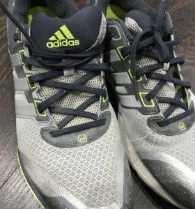 Спортивные кроссовки adidas