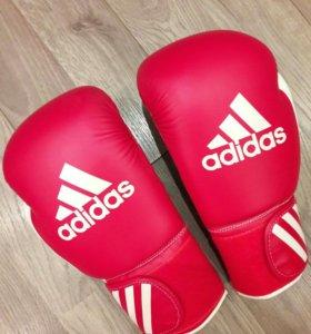 Боксерские перчатки Adidas response 10oz