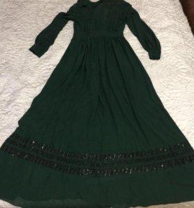 Платье бренда Thomas Wylde
