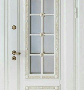 Три белые входные двери металлические