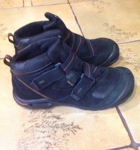 Зимние ботинки для подростка Ecco.
