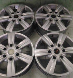 Литые диски на Mitsubishi Pajero (Menzari)