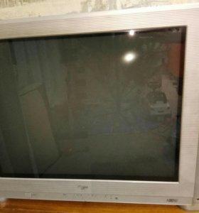 Телевизор LG 100 Гц в отличном состоянии Торг