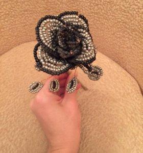 Цветок из бисера ручной работы