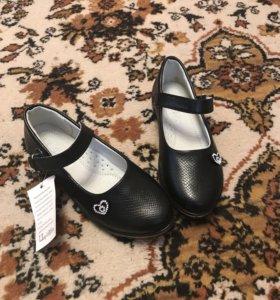 Туфли новые для девочки