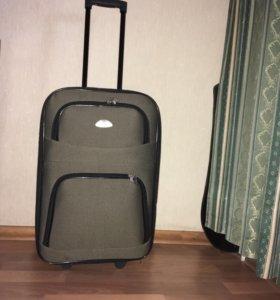 Продам чемодан новый без торга