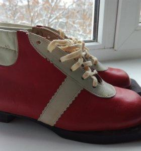Новые лыжные ботинки. Размер 37