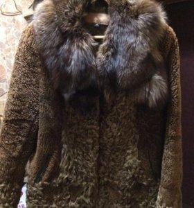 Шуба стриженный каракуль воротник чернобурка 48-50