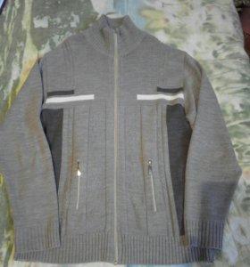 Кофты мужские и джинсы