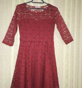 Платье бордовое