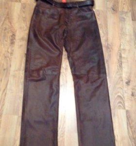 Продам кожаные шикарные брюки хаки 50 L