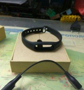 Зарядка и браслет для Mi band 1