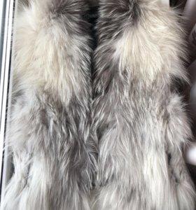 Меховая жилетка натуральный мех (чернобурка)