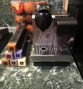 Кофемашина Nespresso De Longhi Lattissima