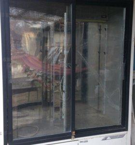 Охлаждающая витрина