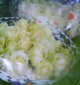 Доставка белых роз спб 70 см