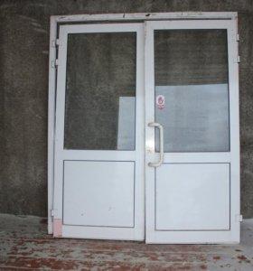 двери алюминивые