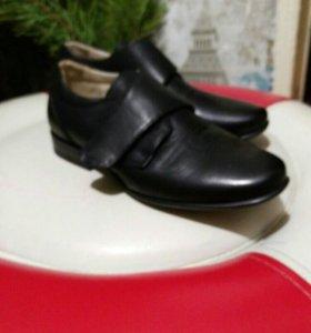 Туфли детские и кросовочки