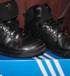 Ботинки Адидасс