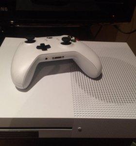 Xbox One S White 500гб + Minecraft. 2 геймпада!