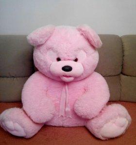 огромный розовый мишка
