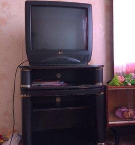 Телевизор LG с подставкой