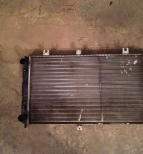 Радиатор на Приору