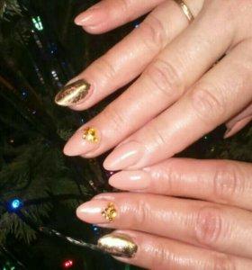 Мастер-стилист по наращиванию ногтей и дизайну.
