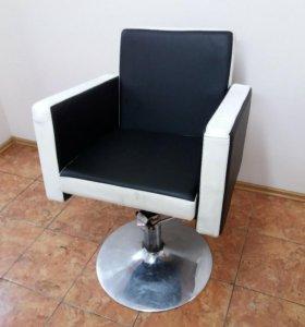 """Парикмахерское кресло """"КВАДРО"""""""