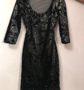 Платье в пайетках вечернее