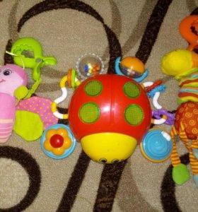 Продам игрушки для малышей