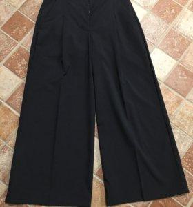 Liviana Conti Italy брюки-кюлоты новые