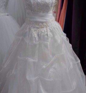 Свадебное платье р 40-47