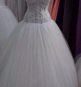 Свадебное платье р 44-48