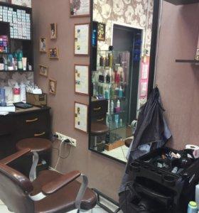 Продаю парикмахерское оборудование