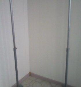 Напольная стойка-вешалка  для одежды