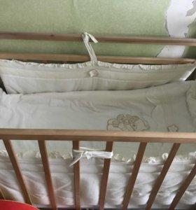 Детская кроватка,матрас и бортики